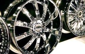 Достоинства и недостатки литых колесных дисков