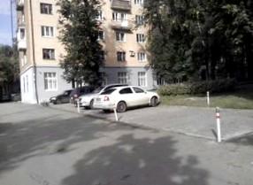 Дворовый самозахват парковочных мест: нарушение или необходимость?