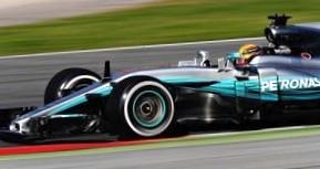 Феттель стал быстрейшим в первый день тестов Формулы-1