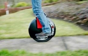 Электрический скутер с одним колесом