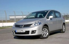 Nissan Tiida (Самая просторная в С-классе)