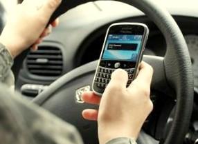 Открылась бесплатная телефонная горячая линия для начинающих водителей