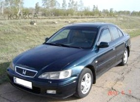 Отзыв об автомобиле Honda Accord (Хонда Аккорд ), 2.0-L, седан, АКПП, 2004 г.в.