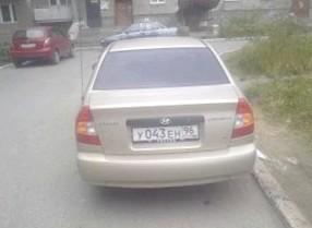 Отзыв об автомобиле HYUNDAI Accent (ХЕНДАЙ Акцент), 1,5-L , хэтчбек, МКПП, FWD,  2004 г.в.