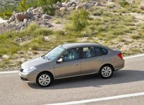 Отзыв об автомобиле RENAULT RENAULT Symbol (РЕНО Симбол),  1,4-L , седан, МКПП, FWD,  2008 г.в.
