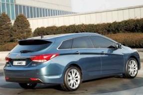 Отзыв об Hyundai i40  (Хендай аЙ 40), 2.0 -L , универсал,  АКПП, 2012 г.в.