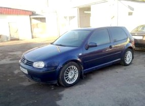 Отзыв Volkswagen Golf (Фольцваген Гольф), 1.6-L, хэтчбек,  МКПП, 2000
