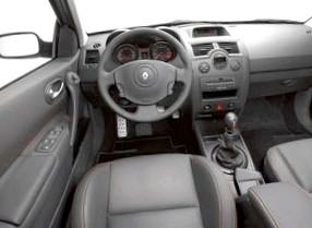 Renault Megane II (megaмобиль года)