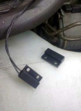 Ставим датчик нейтрали для автозапуска.