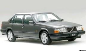 Volvo 850 (Последний из «угловатых»)