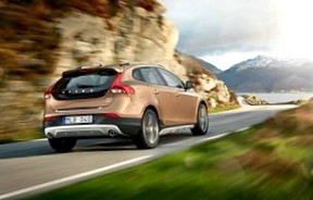 Volvo V40 Cross Country 2013 года